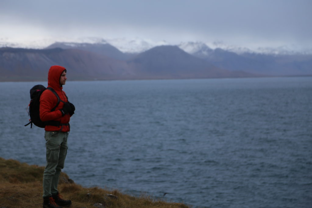Students on study abroad in Iceland exploring Impacts of a Changing Climate on Ocean Currents
